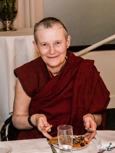 ani Tenzin, Phendeling Center for Tibetansk Buddhisme